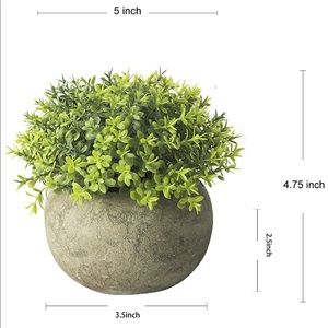 Accents - Fake Green Grass Faux Greenery Topiary Shrubs